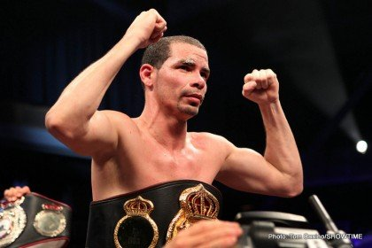 Richard Abril survives Bogeres take down attempts to gain SD