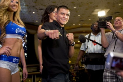 De Leon: Im going to use my size and power advantage against Mares