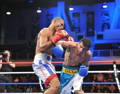 Abregu destroys Dulorme; Mayfield and Vazquez also win