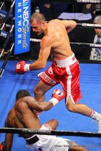 Kovalev defeats White; Jennings stops Fedosov