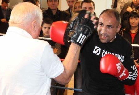 Abraham defends WBO 168 lb title against Bouadla on Saturday