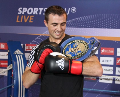 Gutknecht: I have to keep the belt   for the kids!
