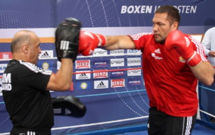 Kubrat Pulev stops late sub Joey Abell to defend his IBF intercontinental title