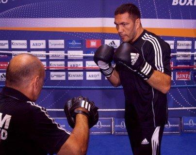 Rahman battles Povetkin; Pulev faces Ustinov on Saturday