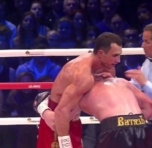 "Wladimir Klitschko Says He Plans On Keeping His ""Boring"" Style"